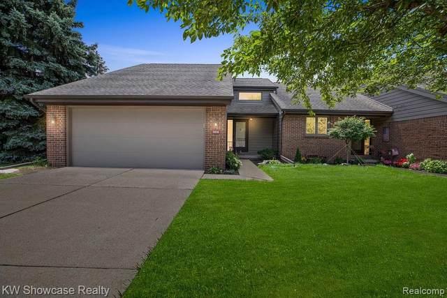 16036 Meadows Drive, Macomb Twp, MI 48044 (#2200051259) :: Duneske Real Estate Advisors