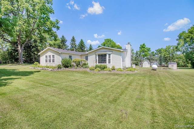6010 Mack Road, Deerfield Twp, MI 48855 (#2200051530) :: Alan Brown Group