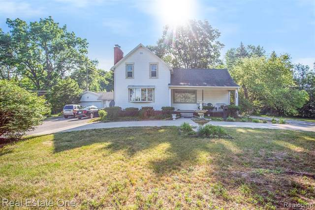 11837 Pardee Road, Taylor, MI 48180 (MLS #2200051550) :: The Toth Team