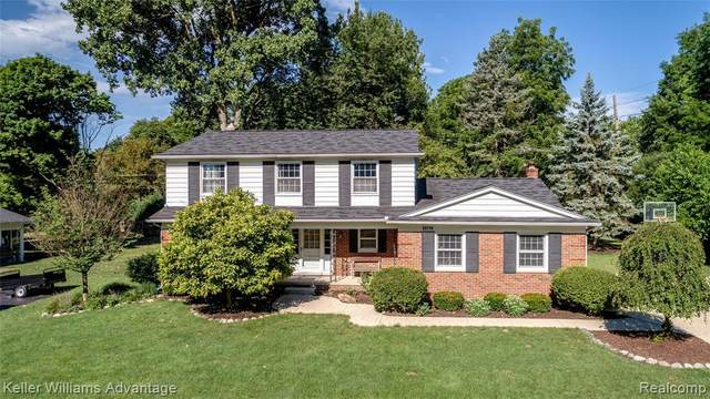 23719 Whittaker Drive, Farmington, MI 48335 (#2200057464) :: RE/MAX Nexus