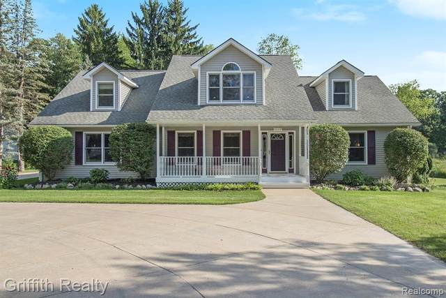 1003 Jade Trail, Milford Twp, MI 48380 (#2200057918) :: Novak & Associates