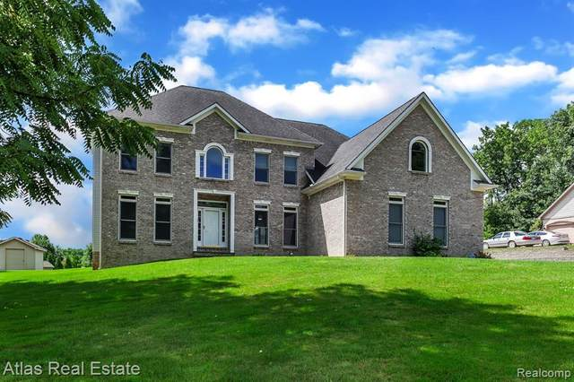 9480 Fair Oaks Drive, Goodrich Vlg, MI 48438 (#2200058916) :: The Merrie Johnson Team