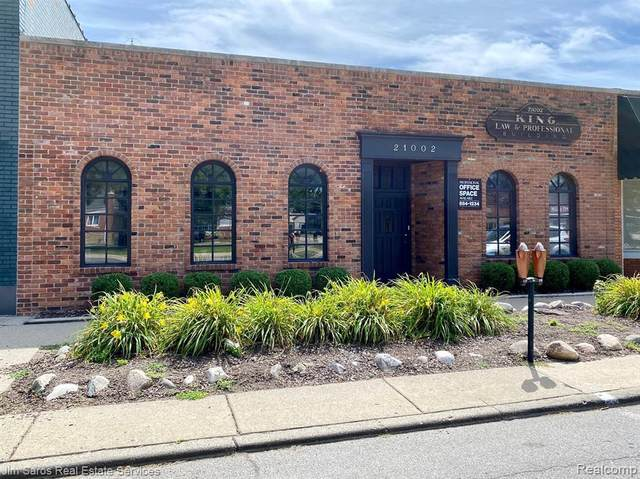 21002 Mack Avenue, Grosse Pointe Woods, MI 48236 (#2200059241) :: Novak & Associates