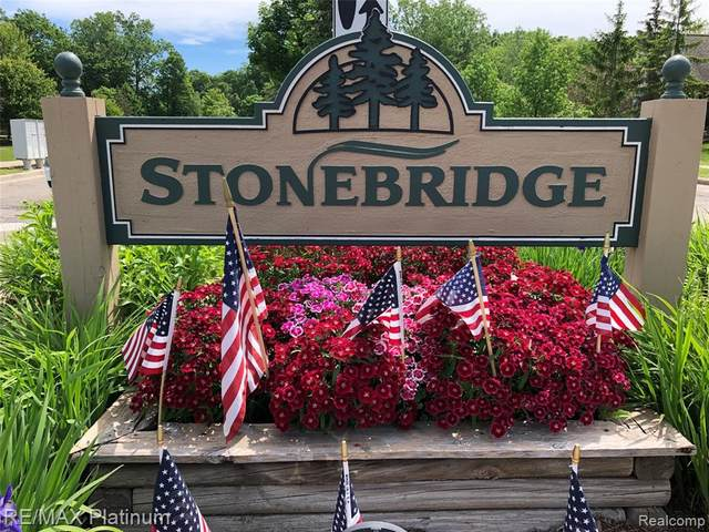 4194 Stonebridge, Holly Vlg, MI 48442 (#2200062829) :: Duneske Real Estate Advisors