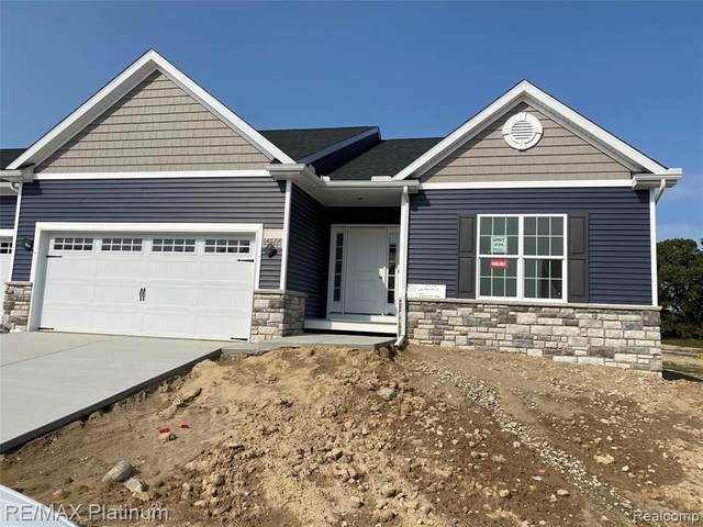 2740 Blue Sky Drive #34, Oceola Twp, MI 48843 (#2200064158) :: Alan Brown Group