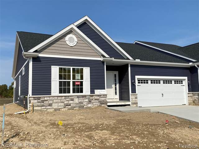 2752 Blue Sky Drive #33, Oceola Twp, MI 48843 (#2200064164) :: Alan Brown Group