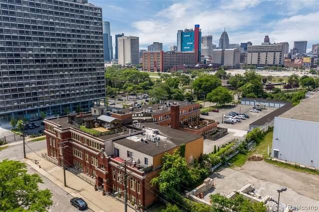 1395 Antietam Avenue #49, Detroit, MI 48207 (MLS #2200064560) :: The Toth Team