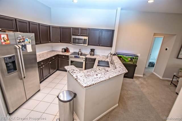 2676 S Knightsbridge Circle, Ann Arbor, MI 48105 (#2200067421) :: The Alex Nugent Team | Real Estate One