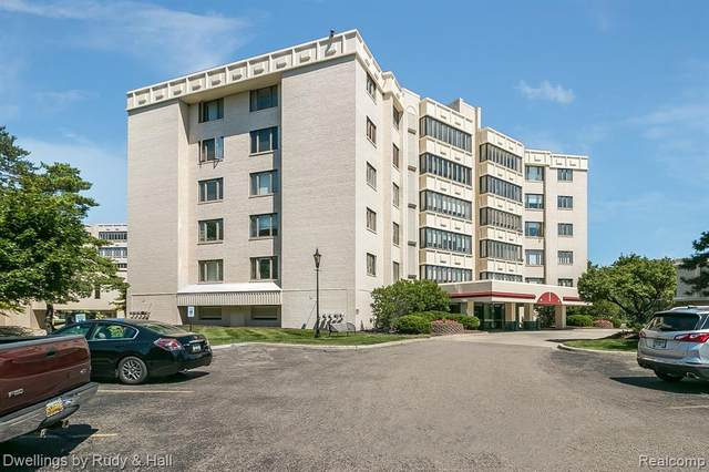 43000 12 OAKS CRESCENT DR APT 5033, Novi, MI 48377 (#2200068859) :: Alan Brown Group