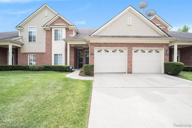 3546 Eagle Creek Drive, Shelby Twp, MI 48317 (#2200069175) :: The Mulvihill Group