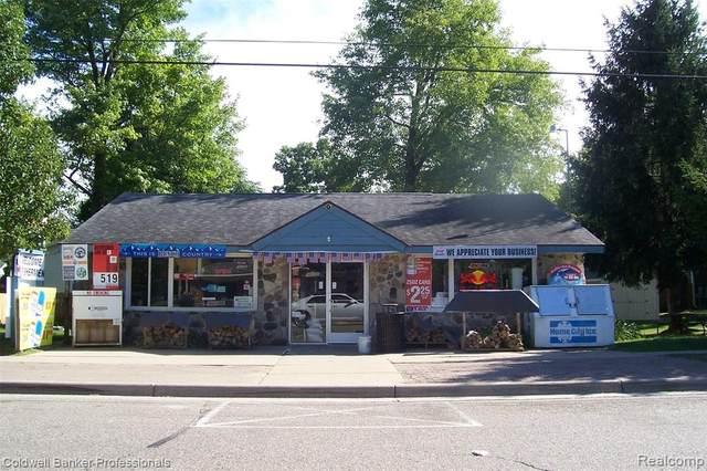 5757 Genesee Avenue, Otter Lake Vlg, MI 48464 (#2200069457) :: Novak & Associates