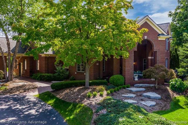 11424 Old Orchard Drive, Plymouth Twp, MI 48170 (#2200070845) :: Alan Brown Group