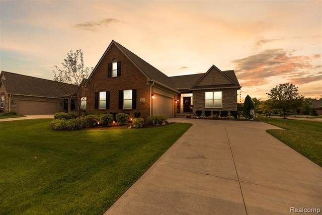 4041 Ardsley Crt, Independence Twp, MI 48348 (#2200072045) :: The Mulvihill Group