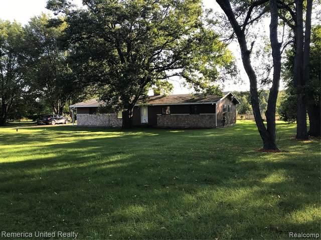 7257 Cedar Lake Rd, Putnam Twp, MI 48169 (MLS #2200073236) :: The John Wentworth Group