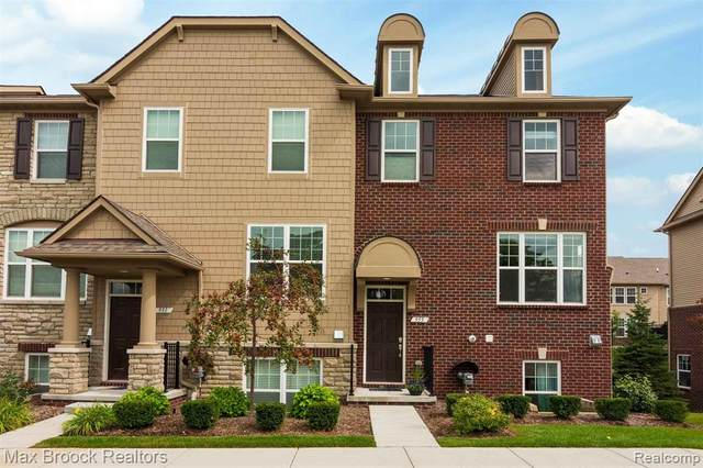 955 Barclay Circle, Rochester Hills, MI 48307 (#2200074704) :: Duneske Real Estate Advisors
