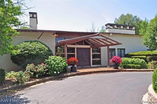 228 Orange Lake Drive, Bloomfield Twp, MI 48302 (#2200075433) :: The BK Agency