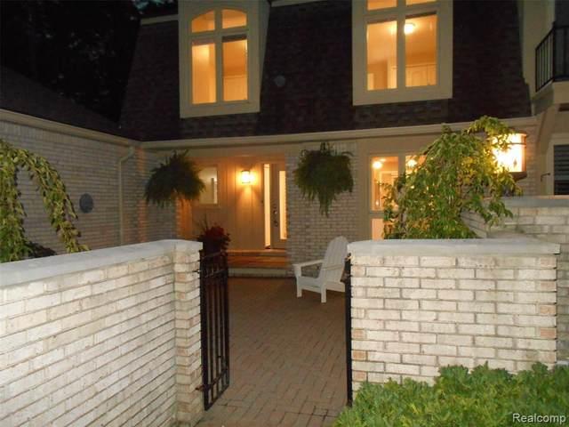 1152 Hillpointe Circle #72, Bloomfield Twp, MI 48304 (#2200076511) :: Duneske Real Estate Advisors