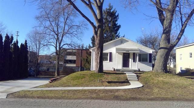 1284 Atkinson Avenue, Bloomfield Twp, MI 48302 (#2200077199) :: Novak & Associates