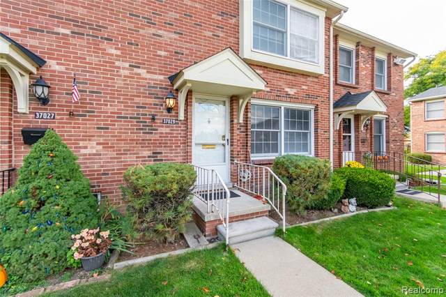 37029 Charter Oaks Boulevard, Clinton Twp, MI 48036 (#2200080689) :: Alan Brown Group