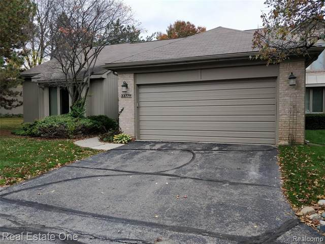 33779 Vista Drive, Farmington Hills, MI 48331 (#2200080716) :: Novak & Associates