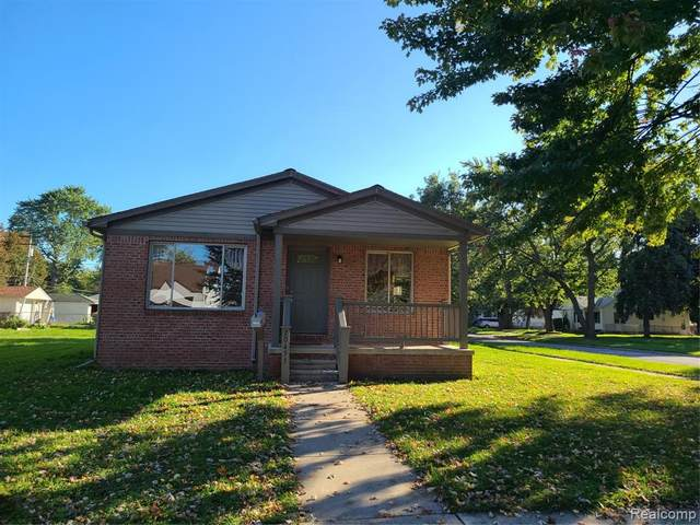 20455 Powers Avenue, Dearborn Heights, MI 48125 (MLS #2200082750) :: The John Wentworth Group