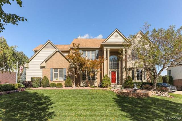 48142 Royal Pointe Drive, Canton Twp, MI 48187 (#2200083042) :: BestMichiganHouses.com