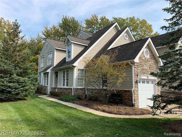 26462 Fieldstone Drive, Novi, MI 48374 (MLS #2200083162) :: The John Wentworth Group