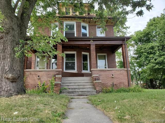 742 Clairmount Street, Detroit, MI 48202 (#2200086042) :: The BK Agency