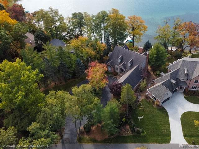 6111 North Shore Drive, West Bloomfield, MI 48324 (#2200086813) :: Robert E Smith Realty
