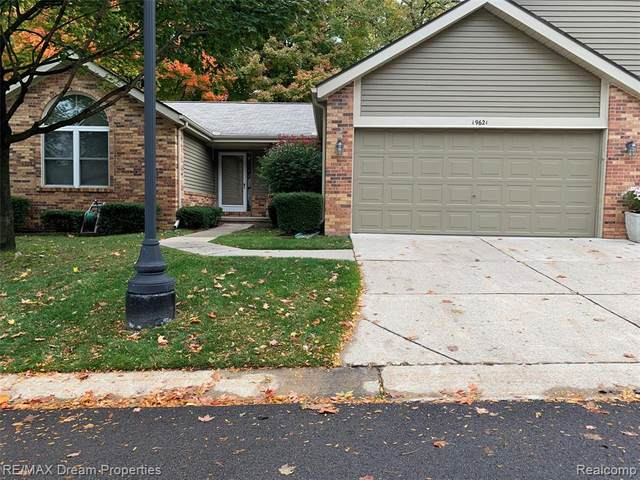 19621 Cardene Way, Northville Twp, MI 48167 (#2200086990) :: Alan Brown Group