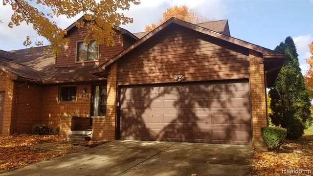 3612 Old Creek Road, Troy, MI 48084 (MLS #2200087303) :: The John Wentworth Group