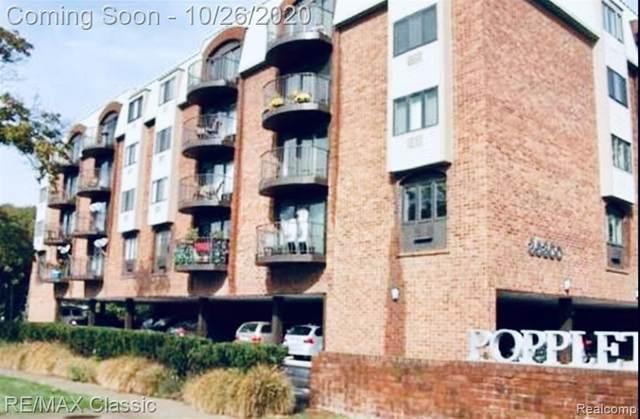 35300 Woodward Avenue N #402, Birmingham, MI 48009 (#2200087524) :: Keller Williams West Bloomfield