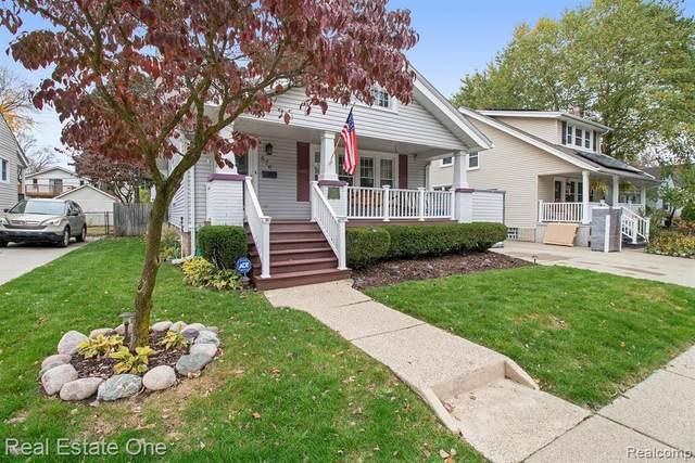 576 W Saratoga Street, Ferndale, MI 48220 (#2200088166) :: BestMichiganHouses.com