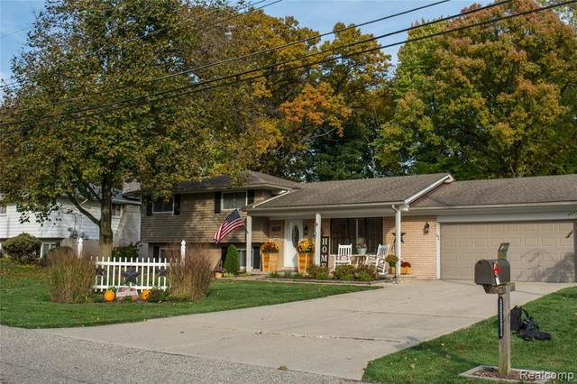 53320 Heatherway Drive, Shelby Twp, MI 48316 (#2200088218) :: The Alex Nugent Team | Real Estate One