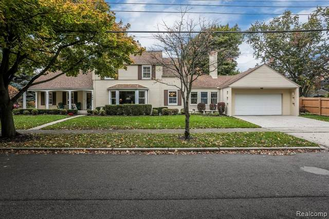 704 Pemberton Road, Grosse Pointe Park, MI 48230 (#2200088672) :: Keller Williams West Bloomfield