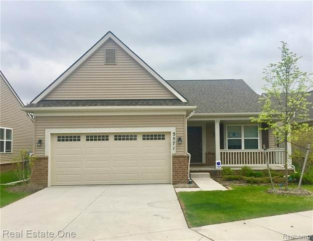 3571 Madison #4, Orion Twp, MI 48359 (#2200091457) :: Robert E Smith Realty