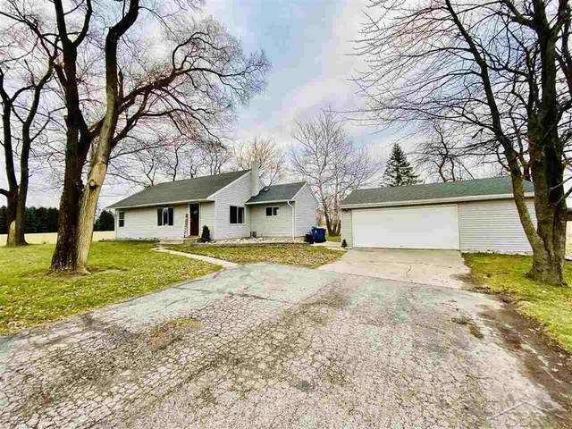 3143 S Poseyville, Ingersoll Twp, MI 48640 (#61050029093) :: Robert E Smith Realty