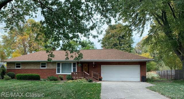 1151 Glaser Drive, Troy, MI 48085 (#2200096471) :: Robert E Smith Realty