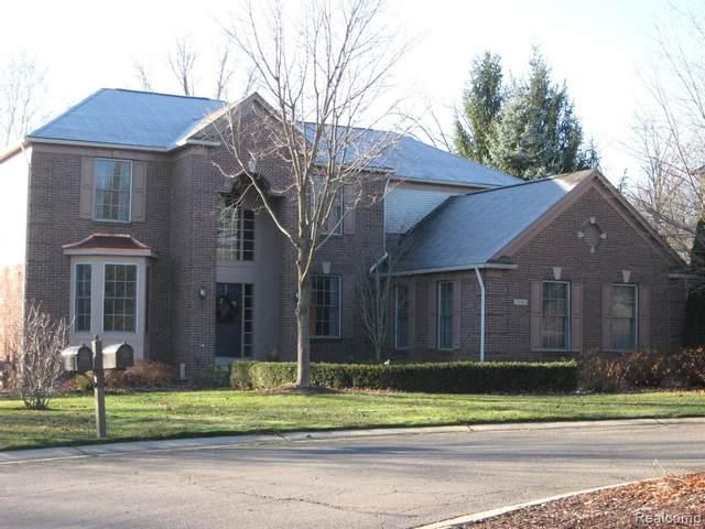 3961 Ridgemonte Court, Oakland Twp, MI 48306 (#2200096512) :: The Alex Nugent Team | Real Estate One