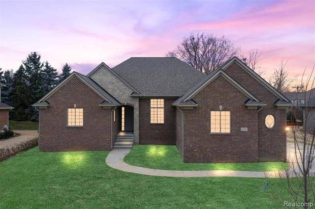 55211 Whispering Hills Drive, Shelby Twp, MI 48316 (MLS #2200096920) :: The John Wentworth Group