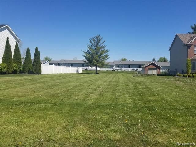 700 Koula, Marysville, MI 48040 (#2200100868) :: The Vance Group | Keller Williams Domain
