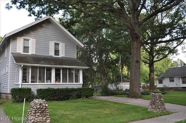 18484 Garfield, Redford Twp, MI 48240 (#2200101871) :: The Alex Nugent Team | Real Estate One