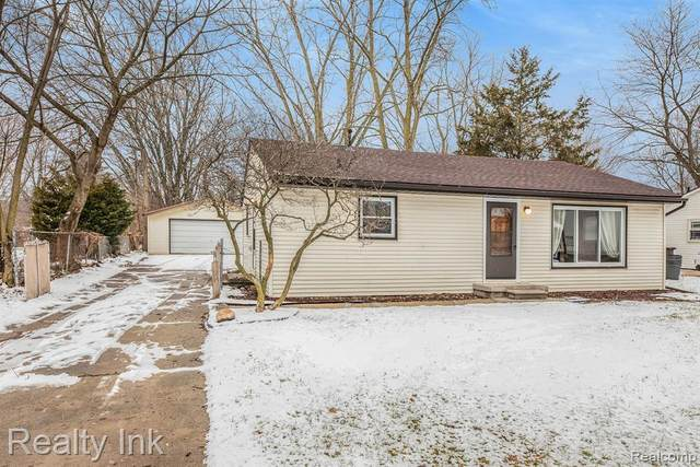 15899 Maxwell Avenue, Northville Twp, MI 48170 (#2210000610) :: The Alex Nugent Team | Real Estate One