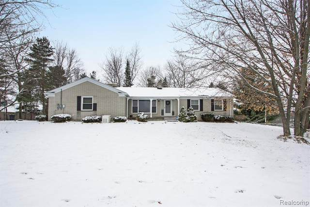 1910 Hadley Road, Elba Twp, MI 48446 (#2210001409) :: The Merrie Johnson Team