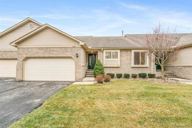 17415 N Lucille Circle N, Huron Twp, MI 48164 (#2210001430) :: Keller Williams West Bloomfield