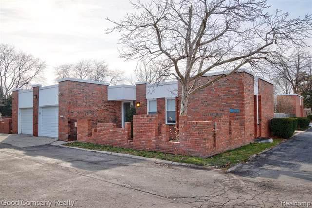 2017 Hyde Park Rd, Detroit, MI 48207 (#2210001653) :: Alan Brown Group