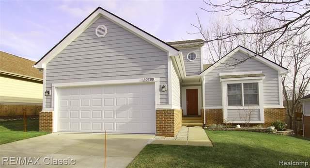 30788 Golden Ridge, Novi, MI 48377 (#2210002181) :: Duneske Real Estate Advisors