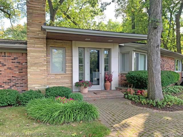 1930 Hillwood Drive, Bloomfield Hills, MI 48304 (#2210002775) :: Keller Williams West Bloomfield