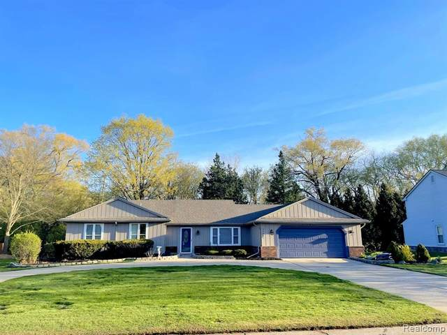 33441 Old Timber Road, Farmington Hills, MI 48331 (#2210003772) :: Real Estate For A CAUSE