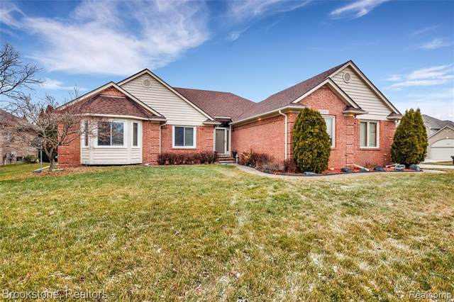 47367 Cherry Valley Drive, Macomb Twp, MI 48044 (MLS #2210003960) :: The John Wentworth Group